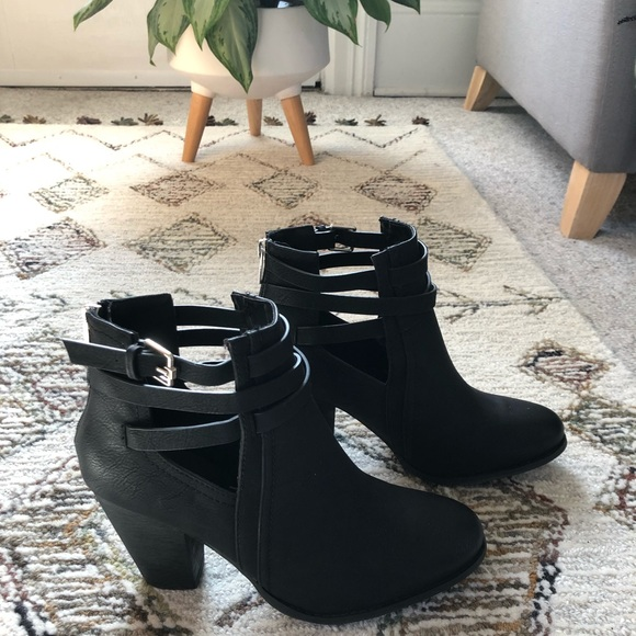 Black Spring ankle boots
